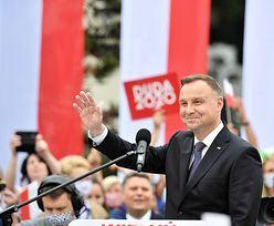 Wybory 2020. Andrzej Duda prezentuje Kartę Rodziny. W sieci zawrzało