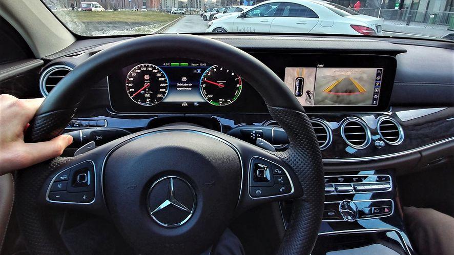 Badacze bezpieczeństwa sprawdzili Mercedesa Klasy E, fot. Oskar Ziomek