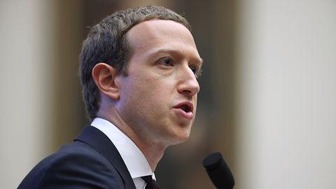 Facebook wreszcie reaguje. Platforma usuwa treści zaprzeczające holocaustowi