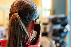 Uwaga na telefony z banków. Oszuści dzwonią z autentycznych numerów i udają pracowników