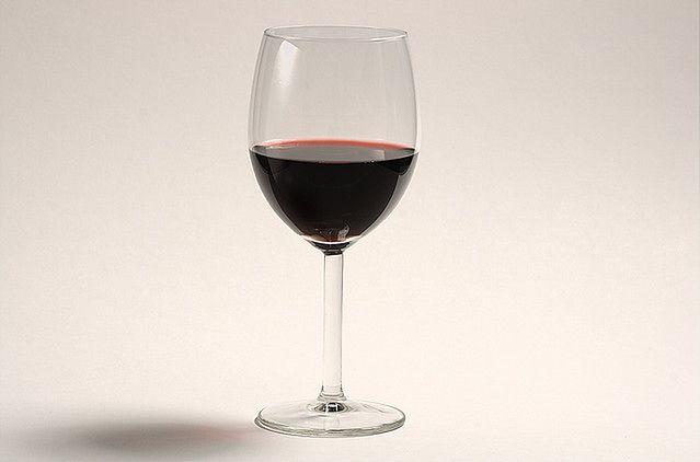 A może lampkę wina?