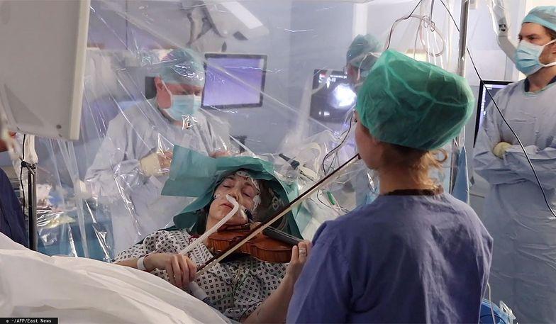 Skrzypaczka grała podczas własnej operacji. Miała guza mózgu