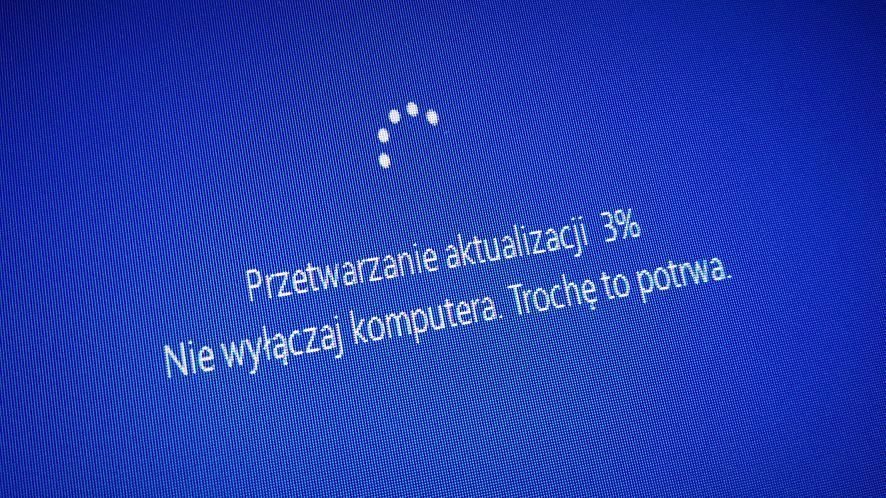 Windows 10 będzie lepiej informować o problemach aktualizacji, fot. Oskar Ziomek