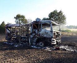 Strażacy walczyli z pożarem, stracili wóz. Pomoże szefowa MSWiA