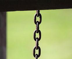 6-latka trzymana na łańcuchu. Ogromny skandal po wyroku sądu na Śląsku