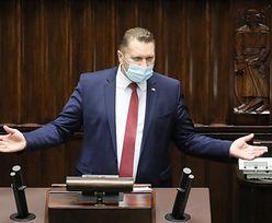 Przemysław Czarnek dostał świadectwo z czerwonym paskiem. Same szóstki
