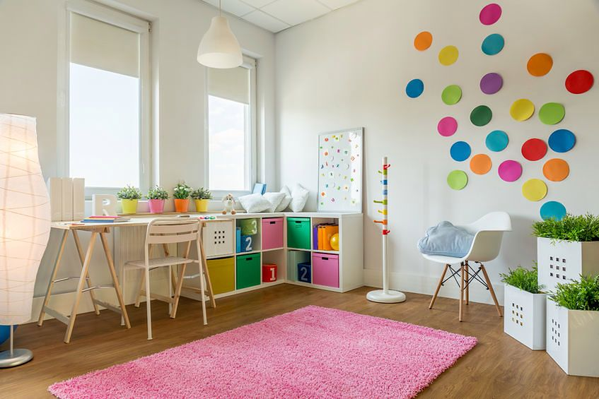Pokój z kolorowym motywem