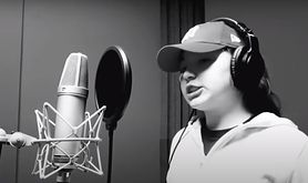 """Młoda raperka krytykuje rząd. Nagranie Nati D. """"Kłamiecie jak umiecie"""" zrobiło furorę w sieci"""