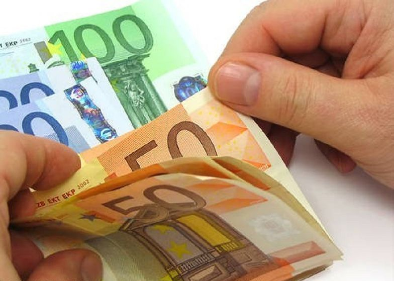 Pomyłka w hucie. Pracownicy dostali po 30 tys. euro premii