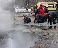 Rosja. Auto pochłonęła dziura w ziemi. Ludzie ugotowani żywcem