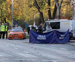 Tragiczny wypadek w Warszawie. Kierowca wjechał w mężczyznę i dziecko