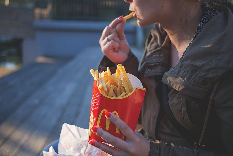 Co z jedzeniem i piciem na ulicach? Jasna odpowiedź sanepidu