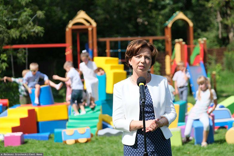 """500 plus. """"Polska jest w pułapce"""". Minister przyznała to na antenie TVP"""
