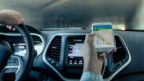 Mapy Google będą informować o fotoradarach. Testy już ruszyły