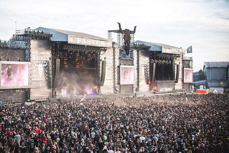 Uciekli z domu starców na festiwal muzyki metalowej. Wyprowadziła ich policja