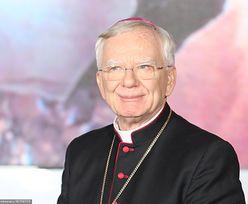 """Arcybiskup Marek Jędraszewski komentuje słowa o """"tęczowej zarazie"""". """"Spotykam się z zarzutami"""""""