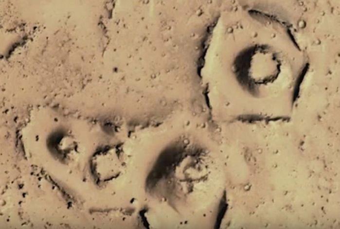Łowcy UFO: na Marsie widać starożytne miasta