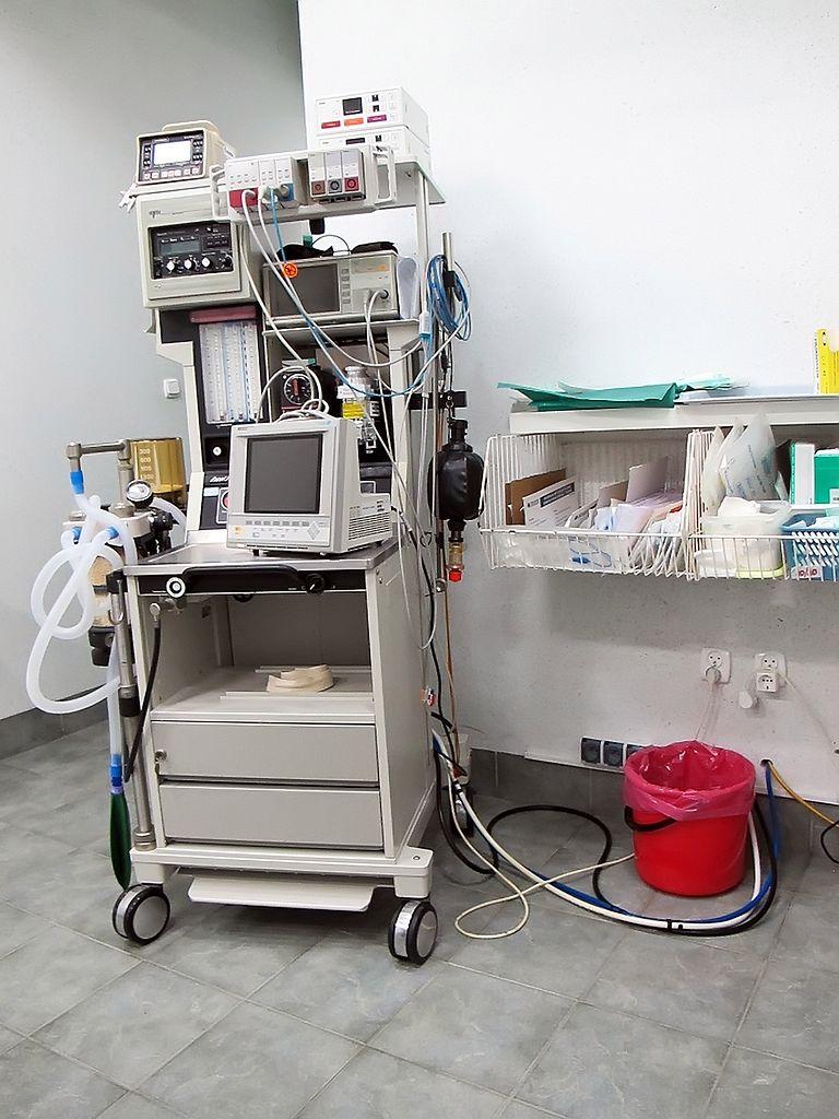 Aparatura na sali porodowej