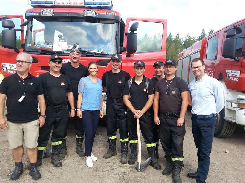Ugasili pożar w Szwecji. Księżniczka odwiedziła polskich strażaków