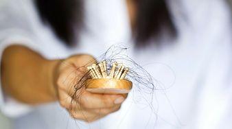 6 składników diety, które pozwolą ci zapobiec wypadaniu włosów