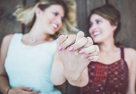 Lesbijki - kim są i jak odbiera je społeczeństwo