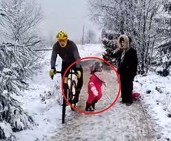 Zachowanie rowerzysty wywołało oburzenie. Sam zgłosił się na policję