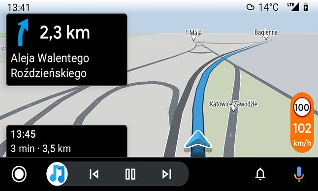 Nawet niewielkie przekroczenie prędkości skutkuje odpowiednim ostrzeżeniem przy prędkościomierzu.