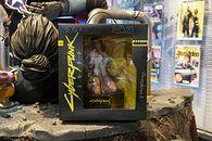 Gry na aukcjach WOŚP. Figurka z Cyberpunka 2077, PS5 i trening esportowy - Cyberpunk 2077 - figurka