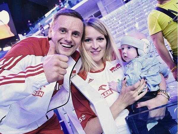 Damian Wojtaszek z żoną i synem [instagram.com/damian_wojtaszek]
