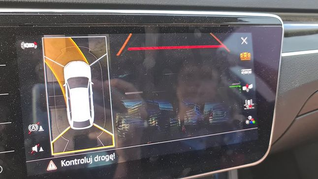 Widok z kamer 360 - jeden wielki glitch