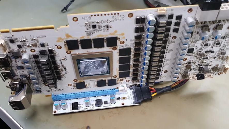 Nie czekali na zapowiedzi Nvidii. Sami zrobili GeForce RTX 2080 Ti Super (fot. TecLab @ YouTube)