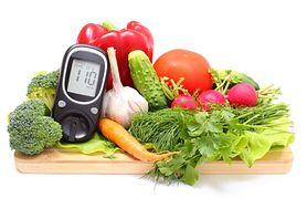 Dieta cukrzycowa – rola, charakterystyka, składniki, czego unikać, jadłospis, zdrowe przekąski