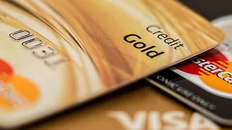 Kobieta wykradła dane 106 mln kart kredytowych. Takich przypadków jest więcej