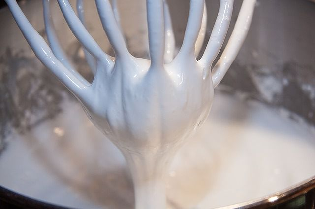 Zbyt intensywne miksowanie ciasta