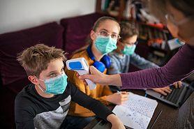 Koronawirus w Polsce. Szkoły będą jak kopalnie? Eksperci o wytycznych MEN