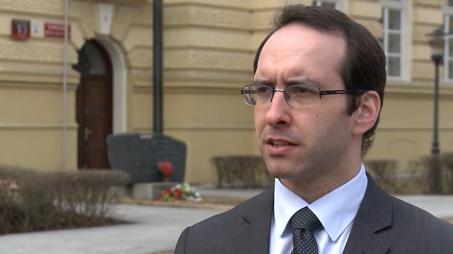 Stanisław Żaryn zabiera głos w sprawie tekstu na rosyjskim portalu RuBaltic.ru (fot. YouTube)