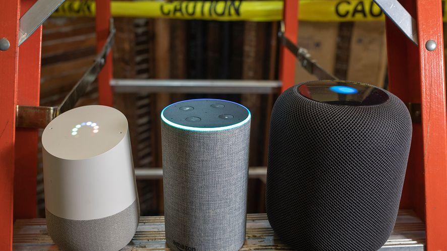 "Google Home, Alexa i Siri są podatne na ""atak laserem"", fot. Getty Images"