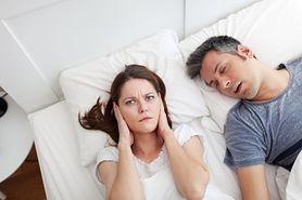 Bezdech senny może być groźny dla zdrowia. Przyczynia się do podwyższenia cholesterolu
