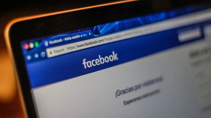Strona logowania Facebooka z depositphotos