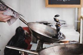 Wok – charakterystyka, smażenie, gotowanie na parze, duszenie