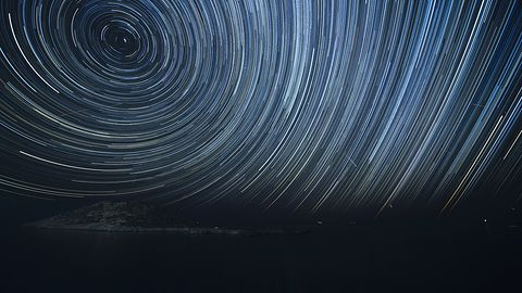 Noc spadających gwiazd 2019. Aplikacje pomogą ci znaleźć i oglądać Perseidy