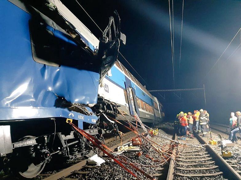 Katastrofa pociągu w Czechach. Maszynista zginął na miejscu. Wielu rannych