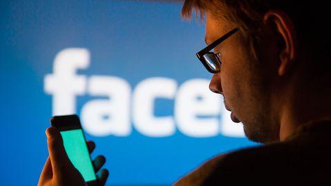 Facebook testuje nowe reklamy. Okulary przymierzymy nie wychodząc z domu
