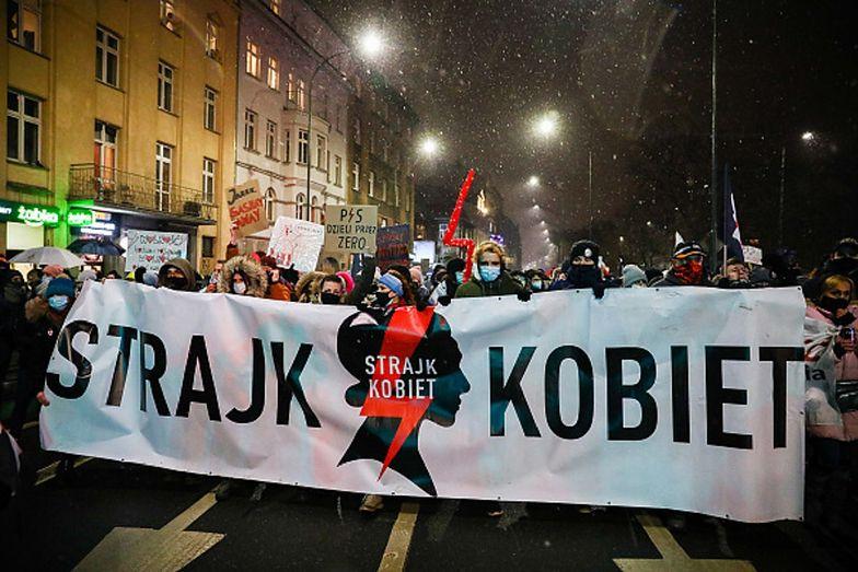 """Strajk Kobiet krytykuje opozycję. """"Nie macie prawa rozmawiać z PiS-em"""""""