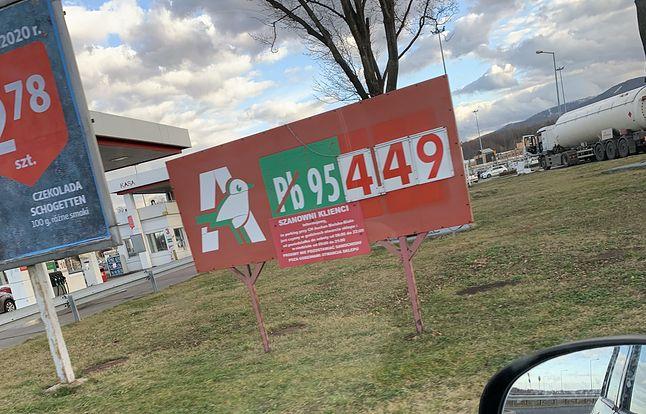 Auchan - zje się, zatankuje się i kupi się telefon :D (autorskie zdjęcie sprzed kilku tygodni)