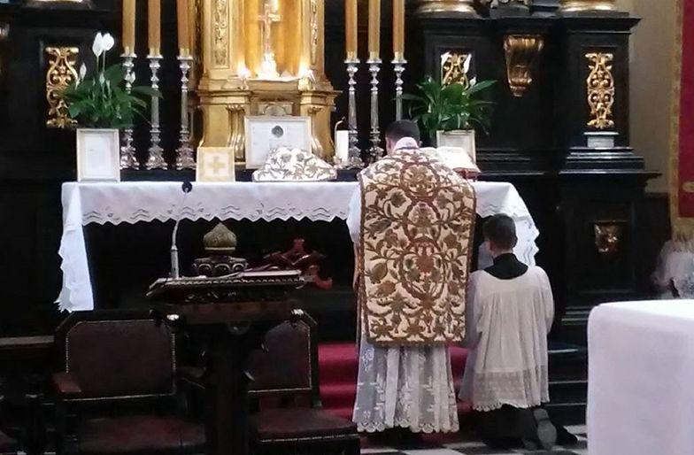 Koronawirus w kościele. Sanepid poszukuje uczestników mszy