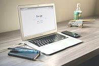 """Google bada """"wrażliwe tematy"""". Chcą dostarczać więcej pozytywnych treści"""