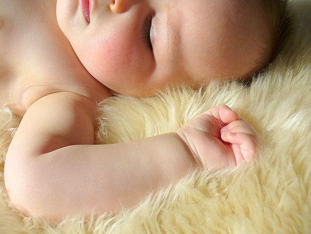 Czy nocne moczenie dziecka powinno budzić niepokój?