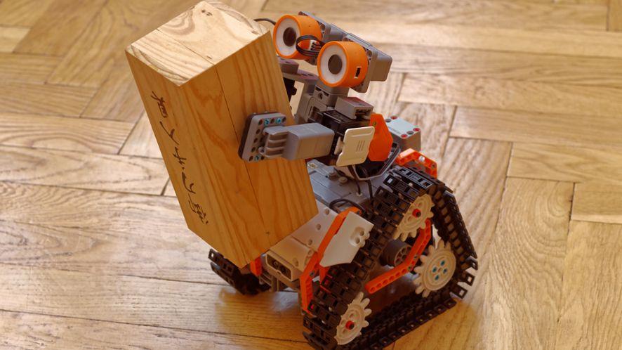 JIMU AstroBot – robotyka od podstaw, tym razem z czujnikiem i LED-ami