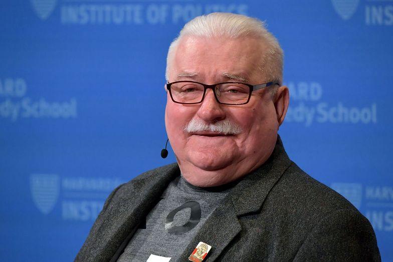 """Wałęsa szuka pracy. Dostał ofertę. """"Chętnie podejmiemy długofalową, płatną współpracę"""""""
